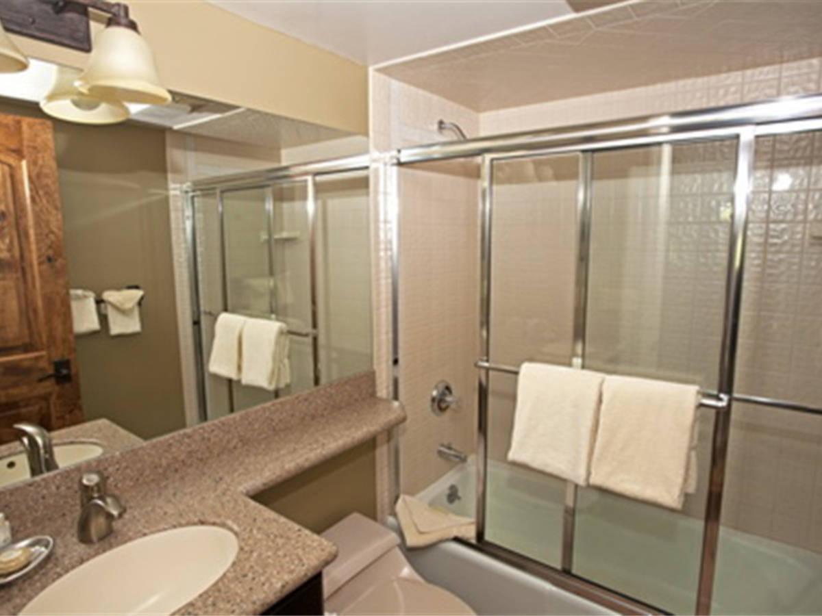 Computer original d3d 2nd bathroom